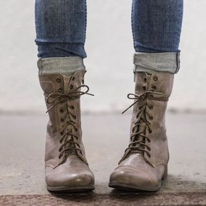 Steve Madden Snider Stone Lace Up Combat Boots 6.5